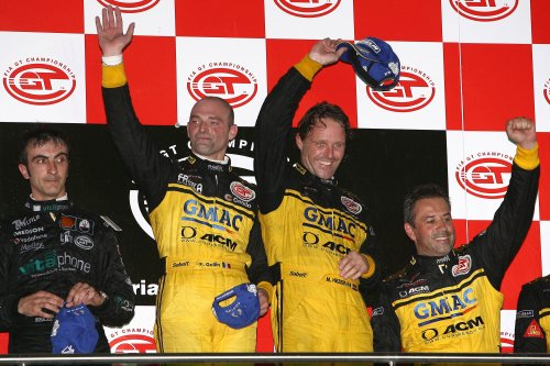 Mike Hezemans wint FIA GT race