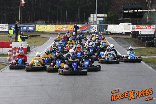 Kartbaan Berghem Zelf Karten Met Vrienden Collega S Kalender 2011 Racexpress