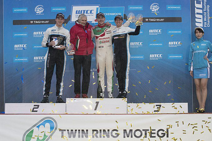 Nicky Catsburg podium FIA World Touring Car Championship