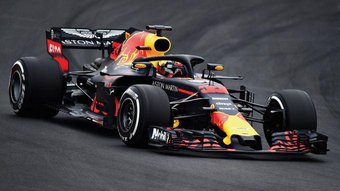Max Verstappen Geeft De Nieuwe Red Bull Rb14 De Sporen Racexpress