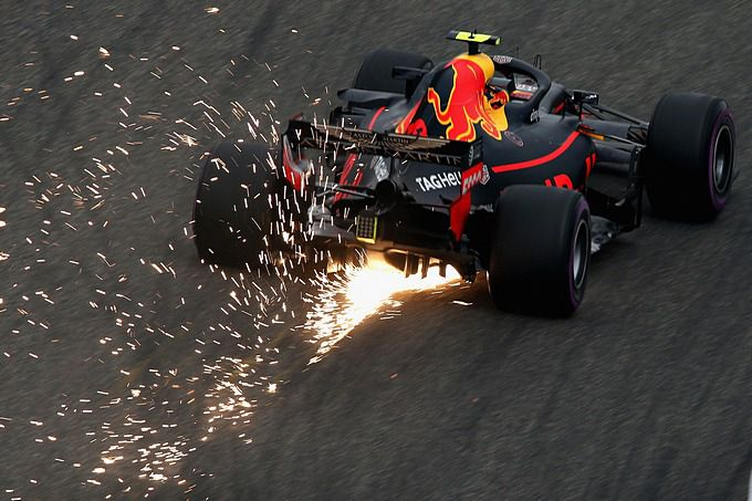 formule 1 gp bakoe met max verstappen live streaming pay per view en live beelden racexpress. Black Bedroom Furniture Sets. Home Design Ideas