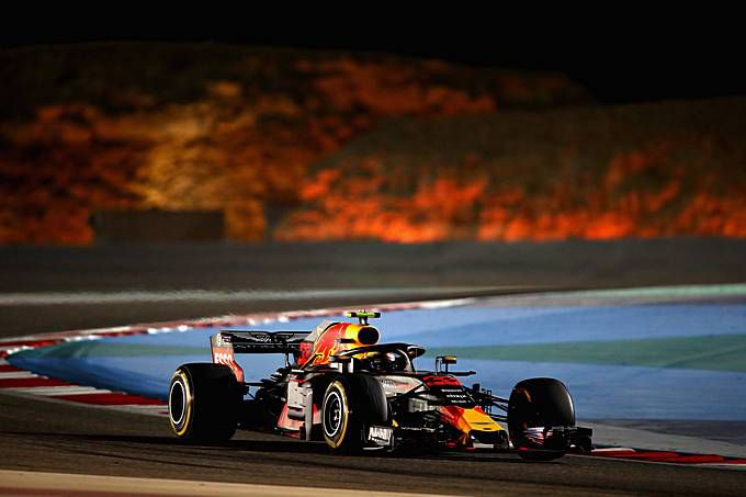 live streaming formule 1 bahrein gaat max verstappen inhalen op het circuit van sakhir. Black Bedroom Furniture Sets. Home Design Ideas