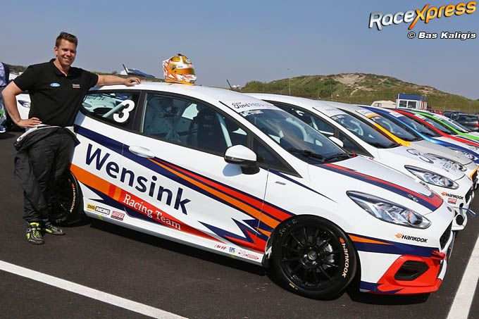 Liroy Stuart met het Ford Wensink Racing Team in de Ford Fiesta Sprint Cup