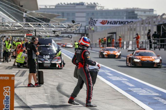 24H Dubai Audi pit lane
