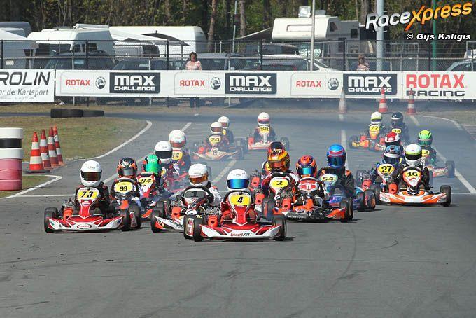 Video Volop Actie Bij Nk 4 Takt Karting En Mini 2 Takt Op De Kartbaan In Berghem Racexpress