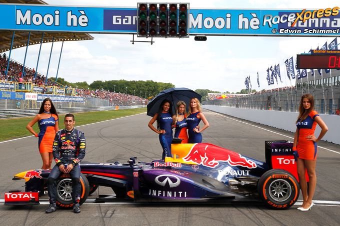 Red Bull F1 Grid girls Gamma ...Mooi he?