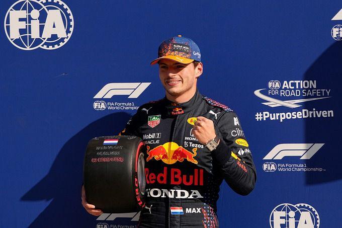 VIDEO: Herhaling van de start in Zandvoort: Max Verstappen behoudt de  leiding voor Lewis Hamilton | RaceXpress